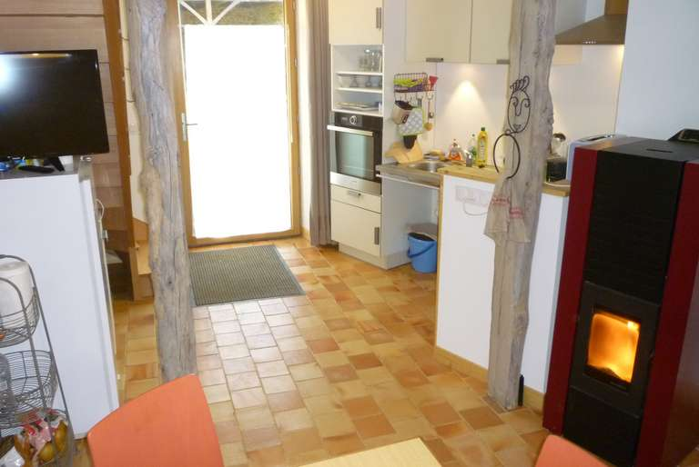 The pellet stove and the kitchen