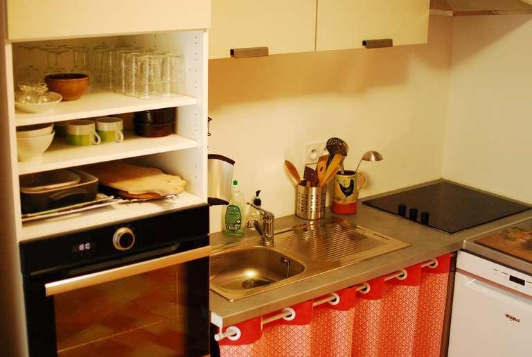 Vue sur le plan de travail de la cuisine
