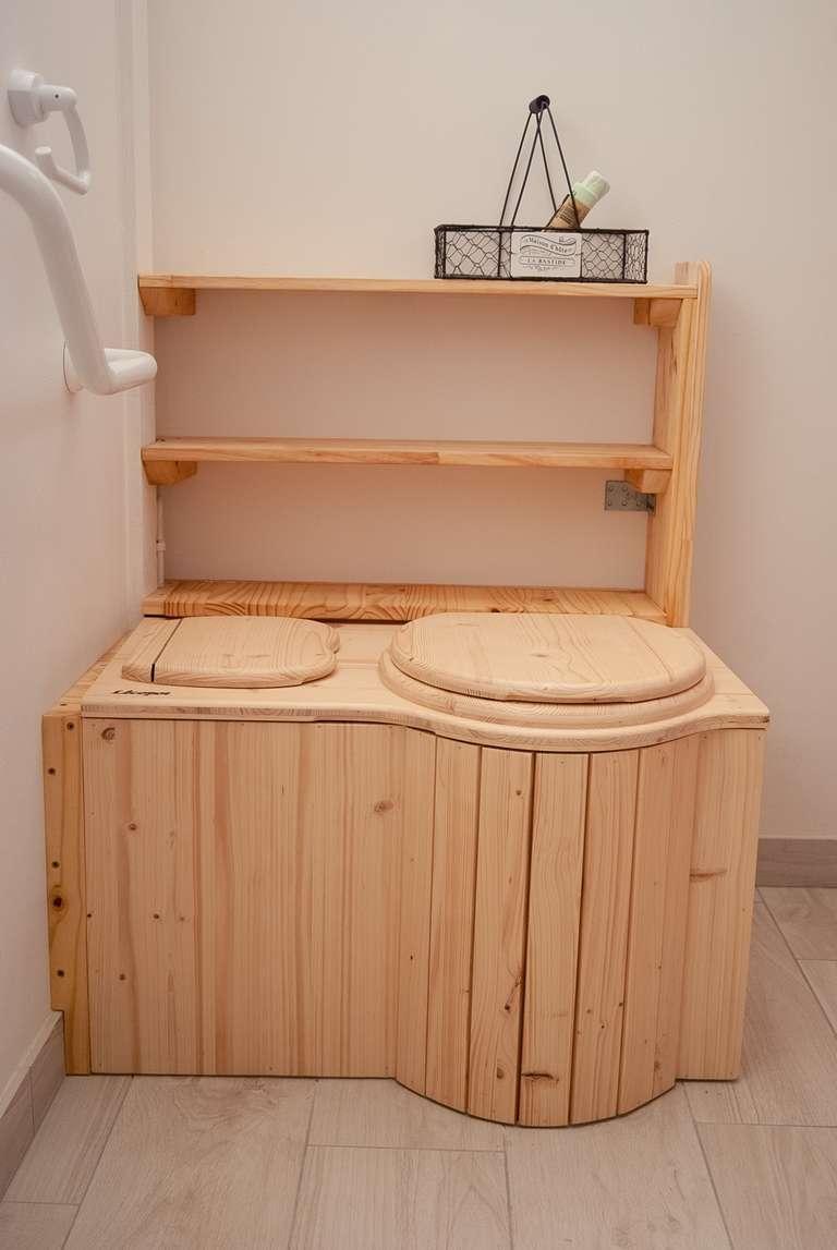 Les toilettes sèches de la chambre d'hôtes du rez-de-chaussée