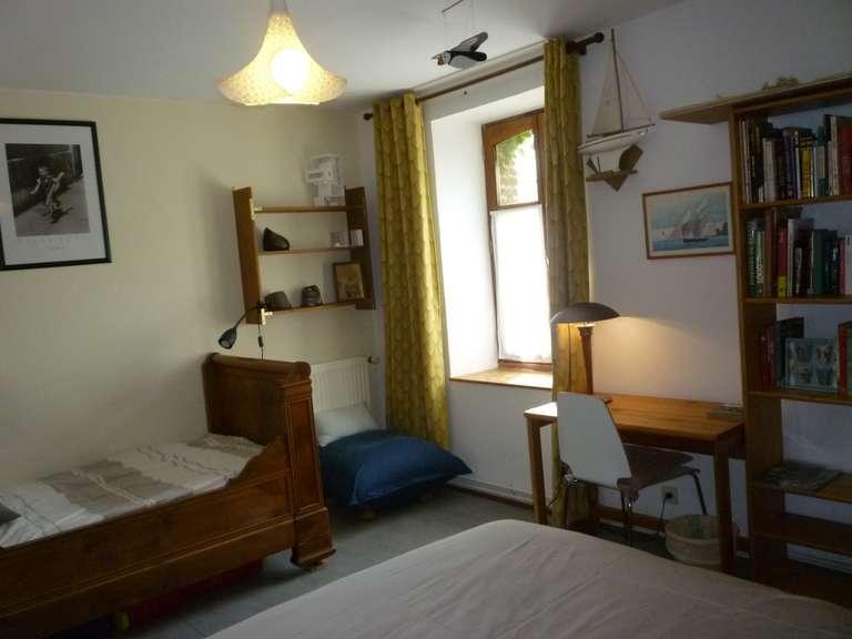 La chambre pour 3 personnes, côté fenêtre